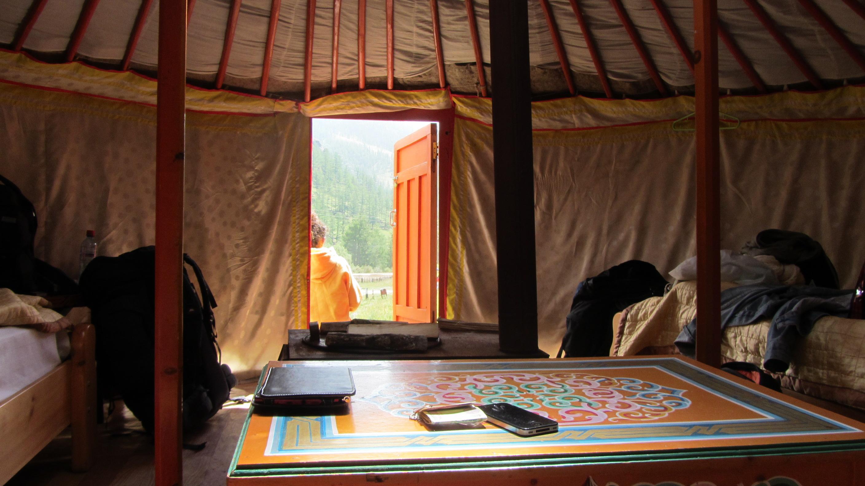 Interior de nuestra Yurta o ger en el parque Nacional de Gorkhi - Terelj