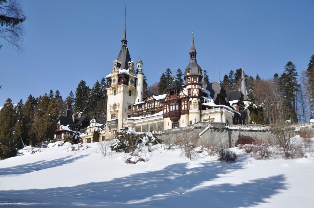 Sinaia es famoso como destino de invierno entre los rumanos.