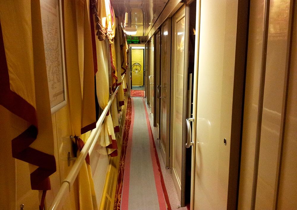 Interior del tren Flecha Roja, de San Petersburgo a Moscú.