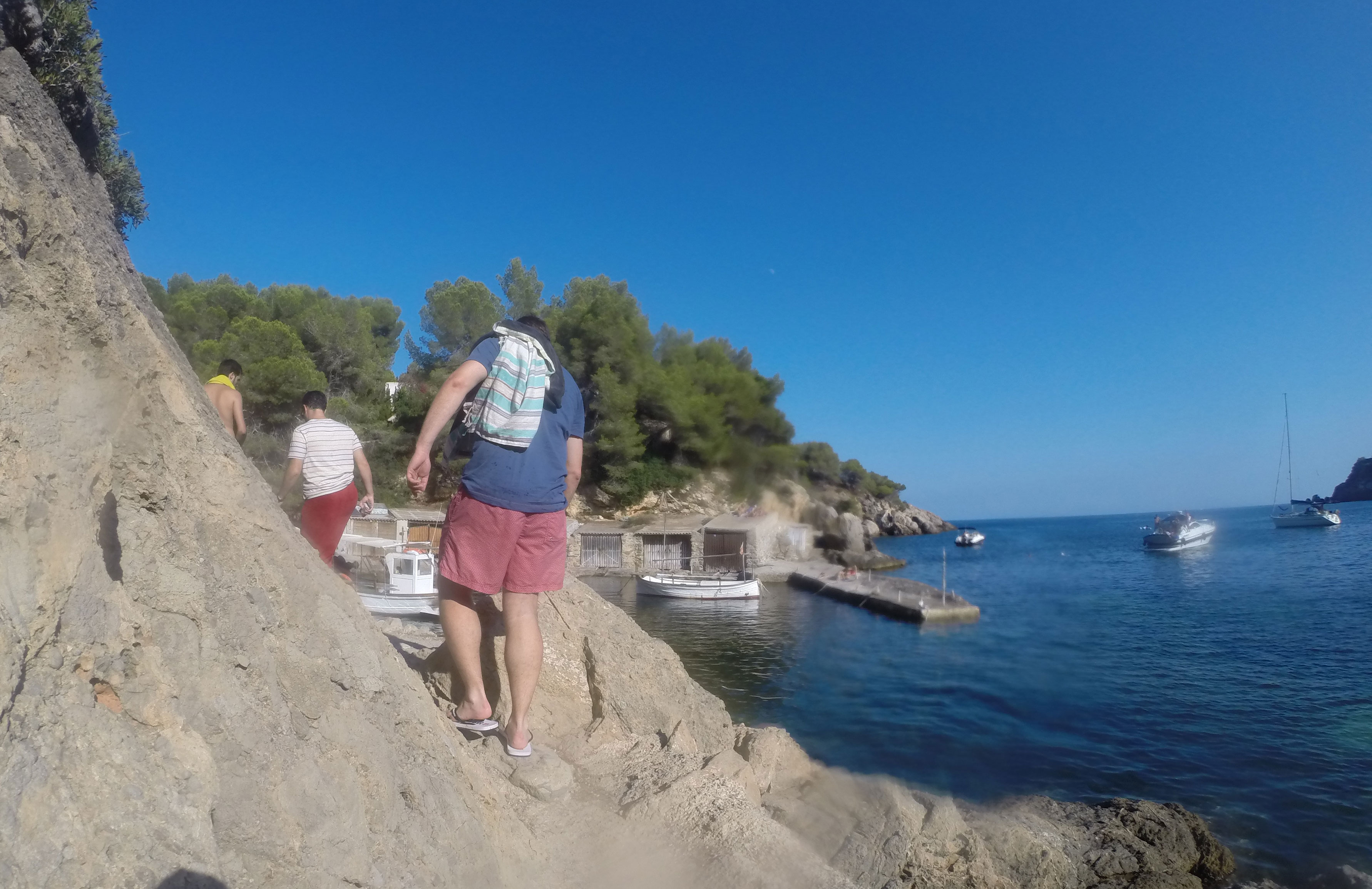 El sendero para acceder al Restaurante Can Bigotes desde Cala Mastella, Ibiza.