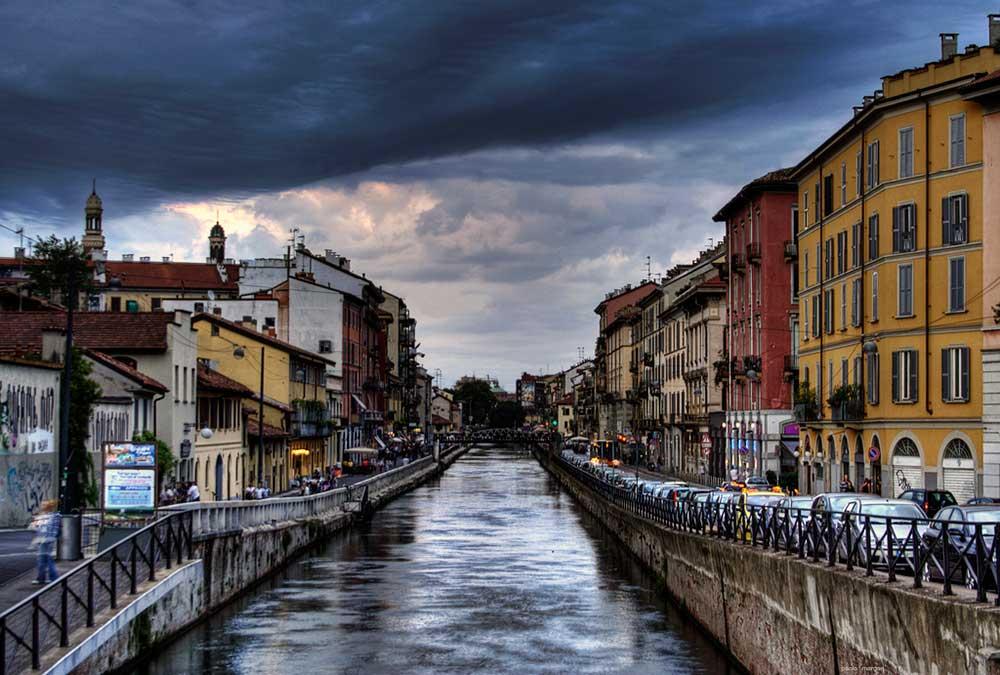 El Naviglio Grande de Milan.