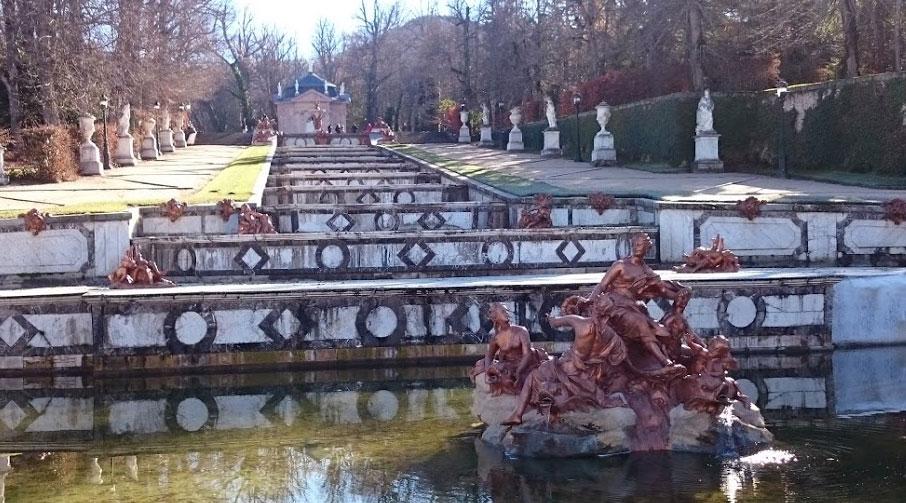 Fuente en los Jardines del Palacio de La Granja de San Ildefonso, en Segovia.