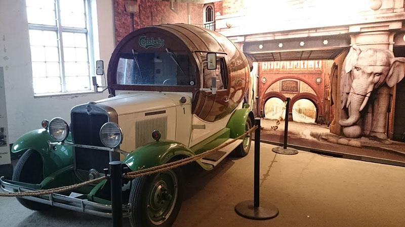 Antiguo camión en la fábrica de Carlsberg en Dinamarca.