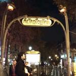 Estación de metro art decó en Montmartre, París.